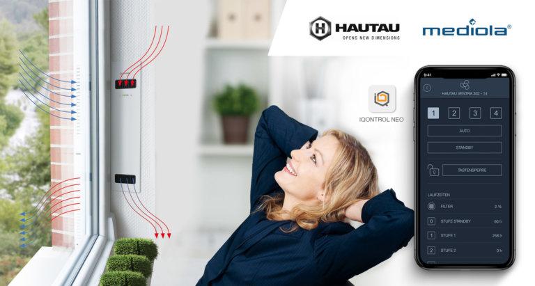 mediola® und Hautau erweitern ihre Zusammenarbeit im Bereich Smart Home - Frau sitzt vor einem Fenster mit VENTRA