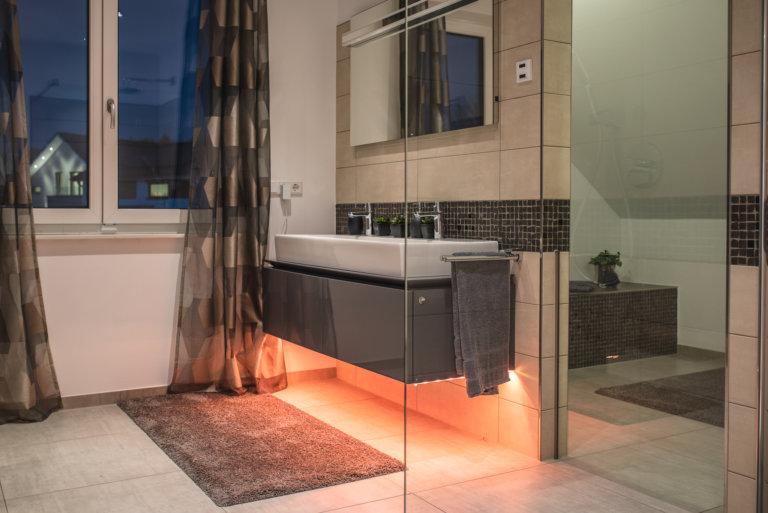smarte Badbeleuchtung mit mediola und Philips Hue - schwabenhaus in frankfurt